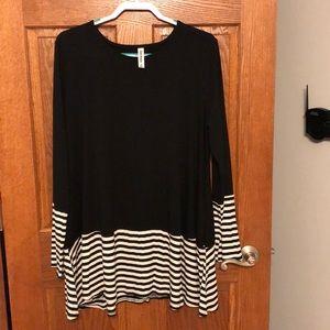 Cute Black & White Stripe Tunic Top NWOT